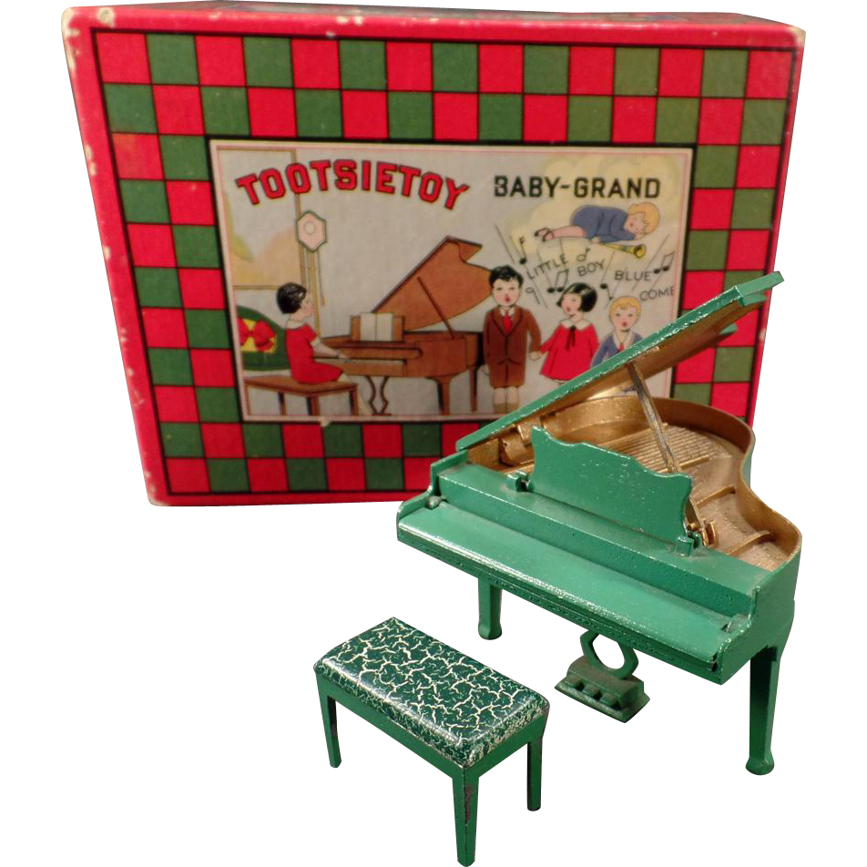 Vintage Tootsietoy Baby-Grand Piano with its Original Box – Very Good Condition