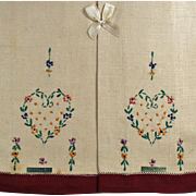Vintage Guest Towels with Embroidery - Original Labels and Box