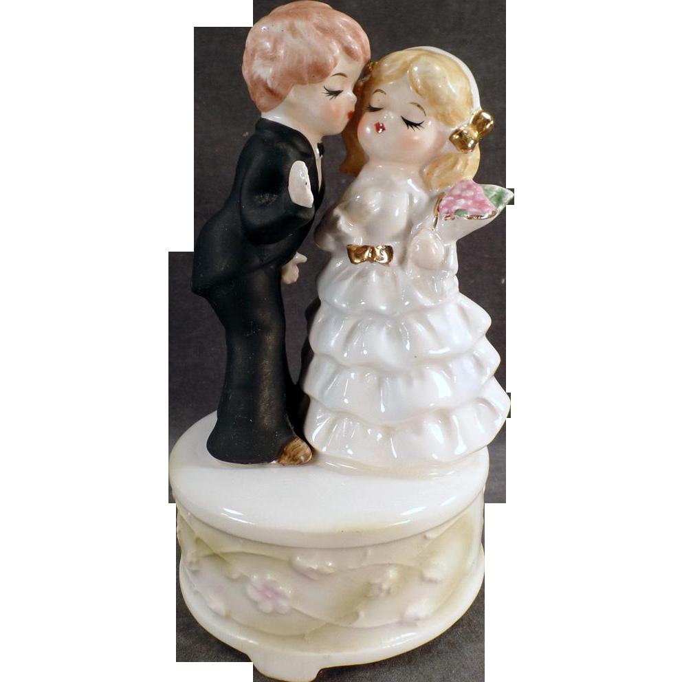 Vintage Music Box - Bride & Groom - Here Comes the Bride