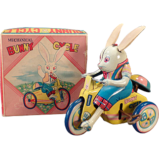Vintage Wind Up Tin Toy – Bunny Cycle with Original Box – Sato Japan