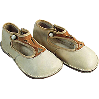 Vintage Baby Shoes - Old Toddler Shoes - Leather with Straps - Like New Condition