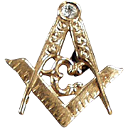 Vintage Masonic Lapel Pin - Old Freemasonry Emblem - Beautiful Detail