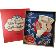 Vintage Cookie Maker & Cake Decorator Set with Original Box - Wecolite 1940's