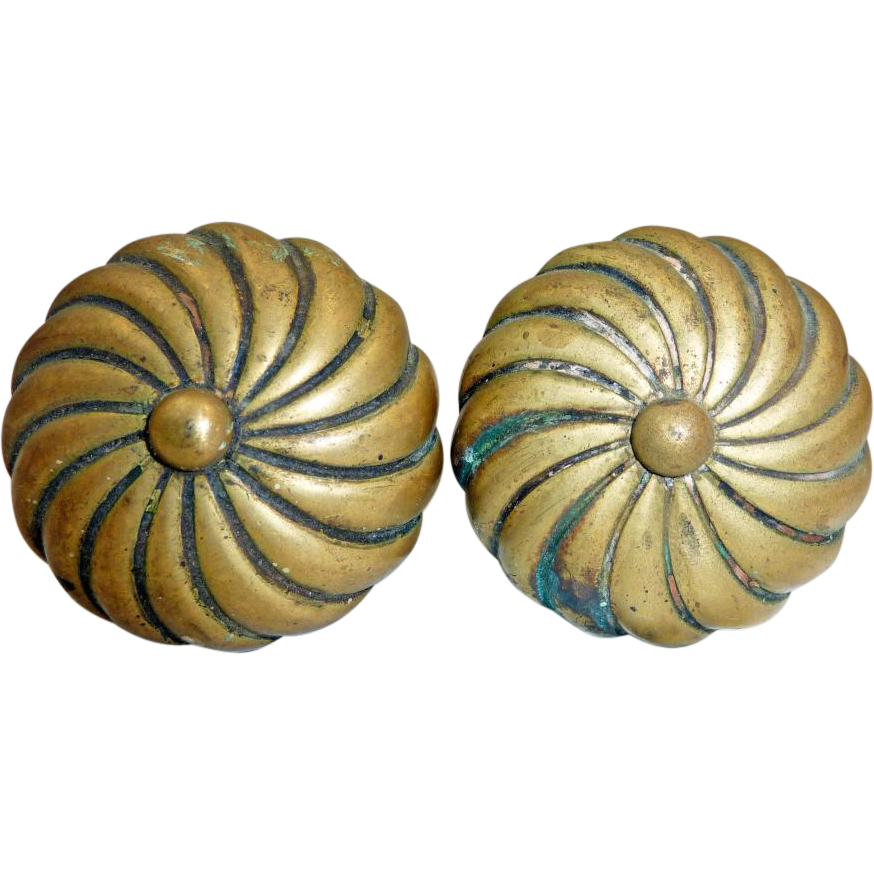 Doorknob set with spiral form