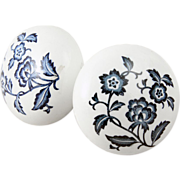 Vintage 1960'S ceramic knob set with blue floral detail