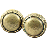 Beaded brass knob set