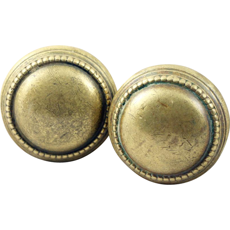 Beaded brass knob set