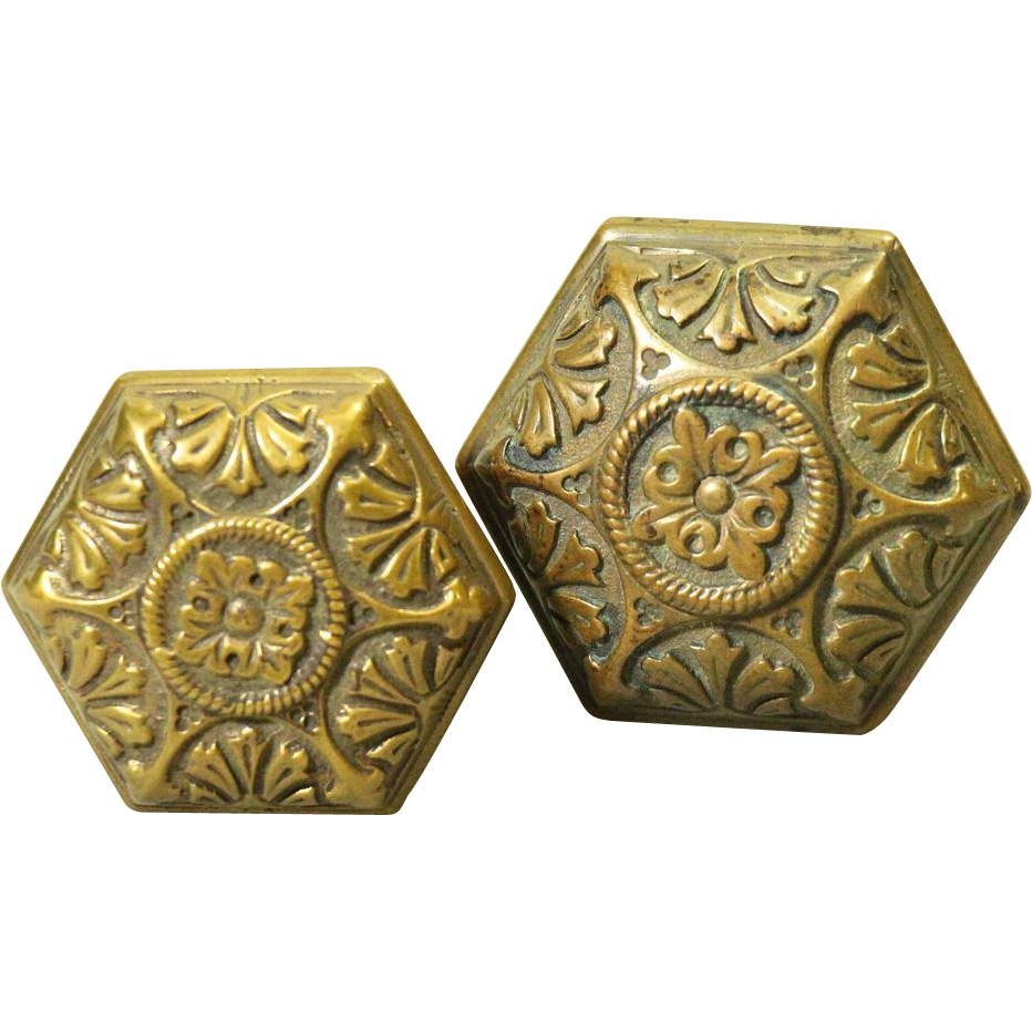 Ornate bronze entry knob set