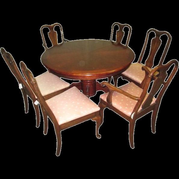 Dining set with walnut veneer