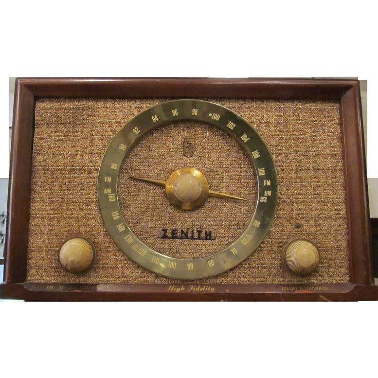 Vintage Zenith wooden cased radio
