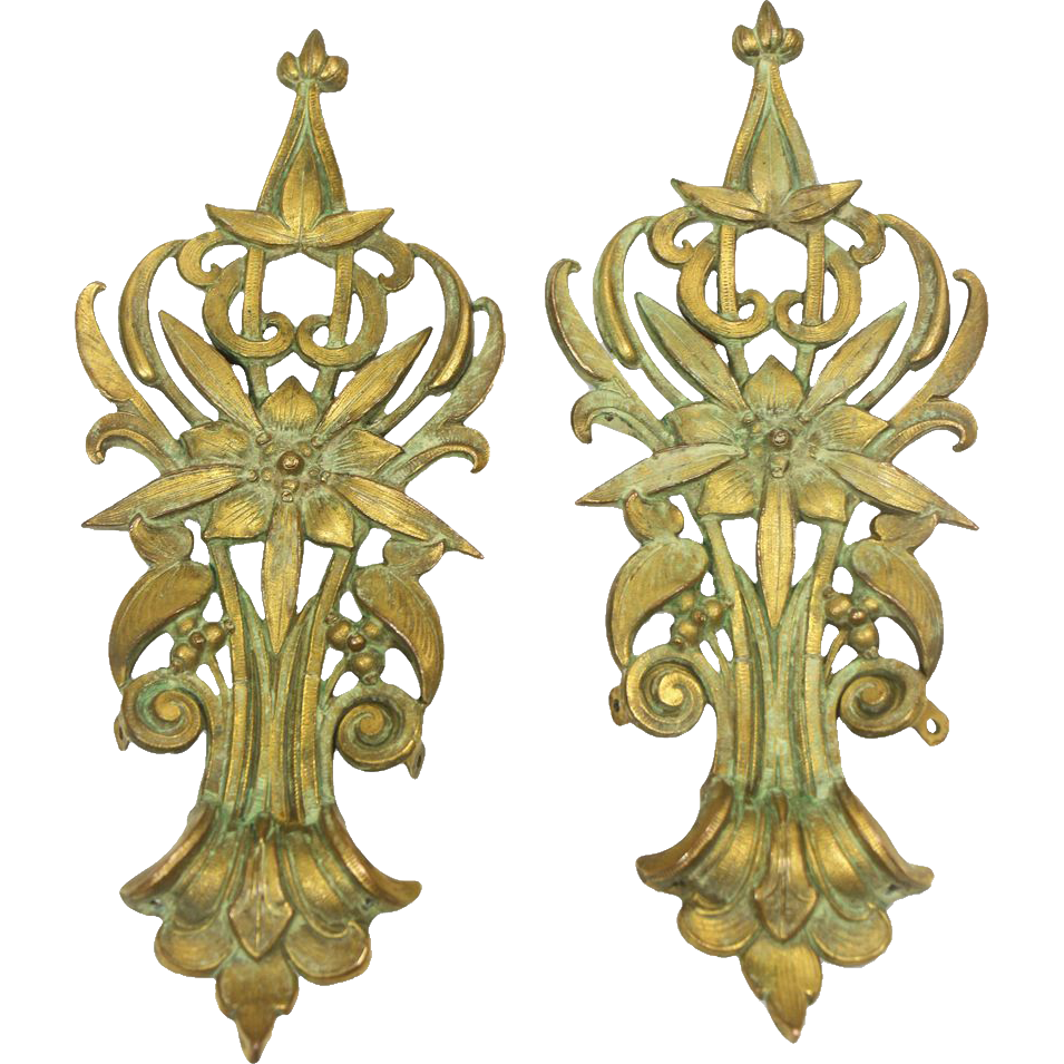 Pair of decorative furniture appliques