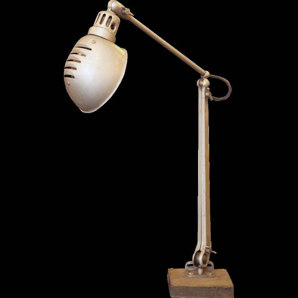 Adjustable metal desk lamp
