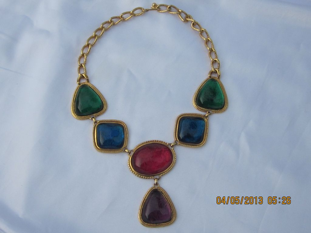Avon KJL  Caprianti Necklace