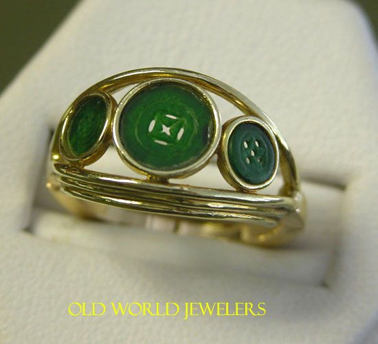 18K Yellow Gold Jade Button Ring