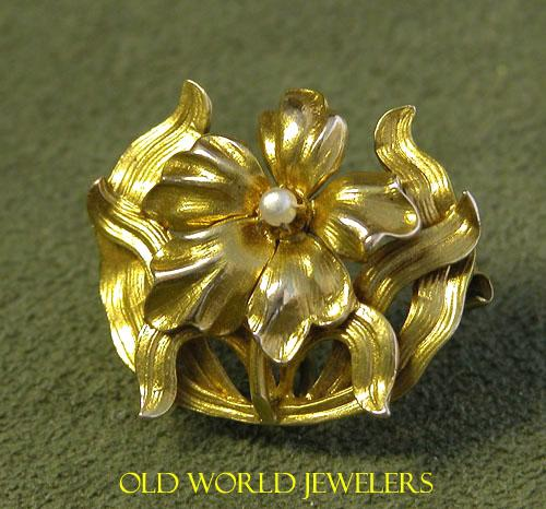 10K Art Nouveau Flower Pin