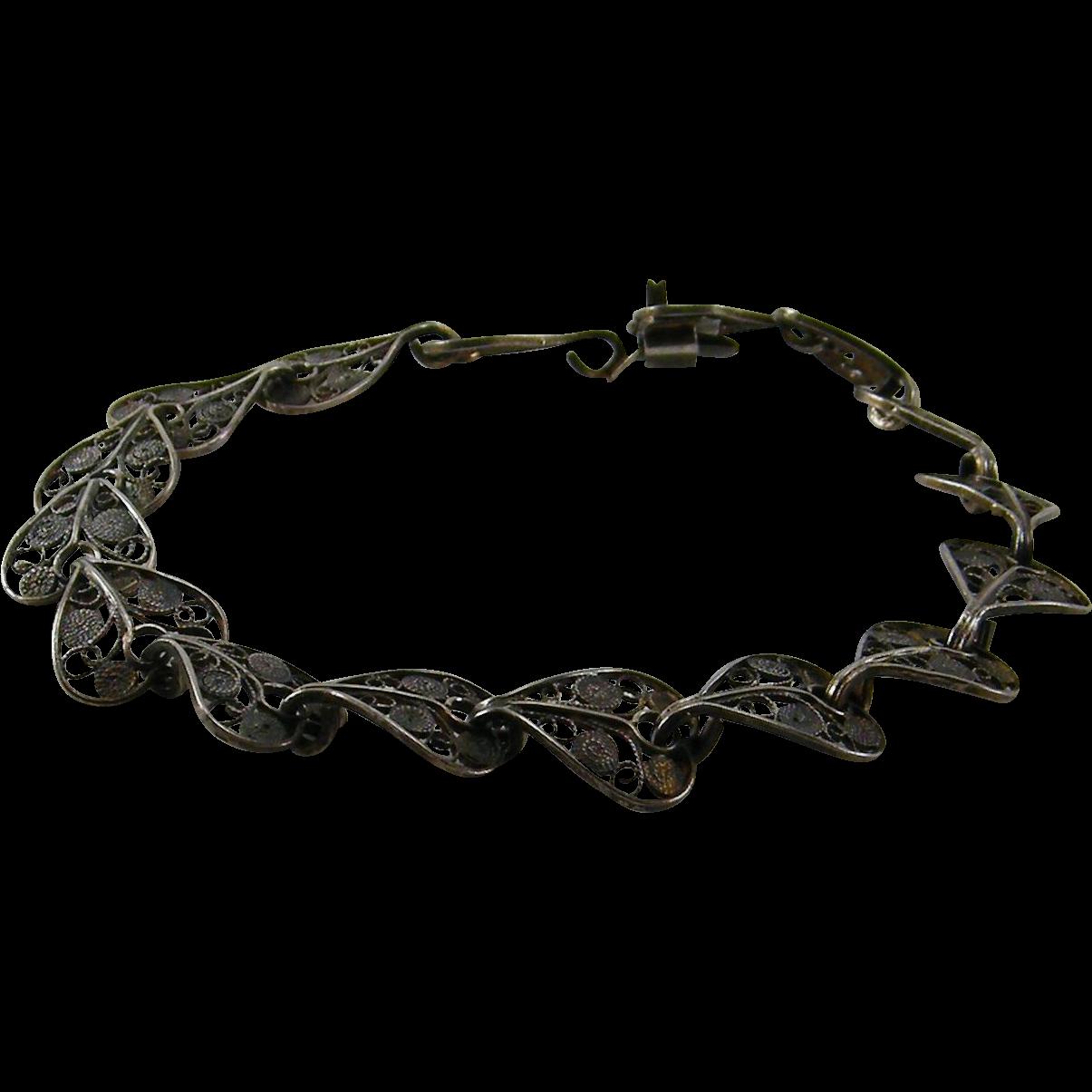 800 Silver Fine Wire Work Bracelet Heart or Leaf Design
