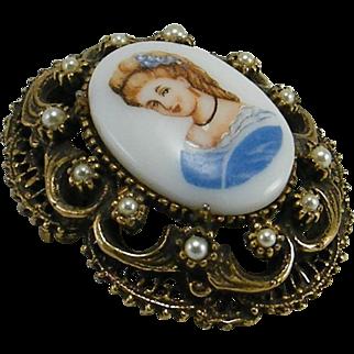 Unsigned Florenza Transfer Portrait Faux Pearls Pin / Pendant