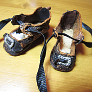 Antique Hard  To Find Tiny Shoes Sz.1