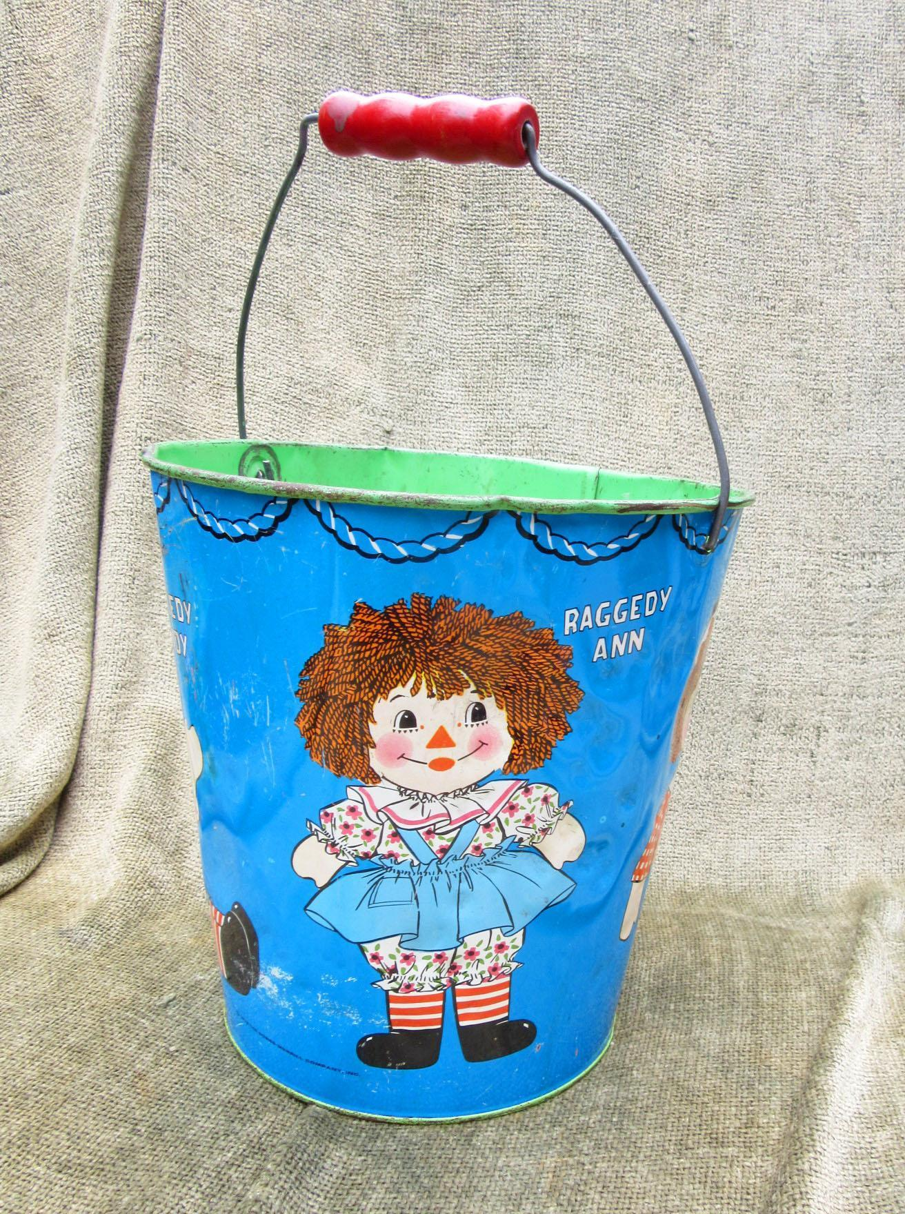 Vintage Raggedy Anne and Andy Chein Sand Pail