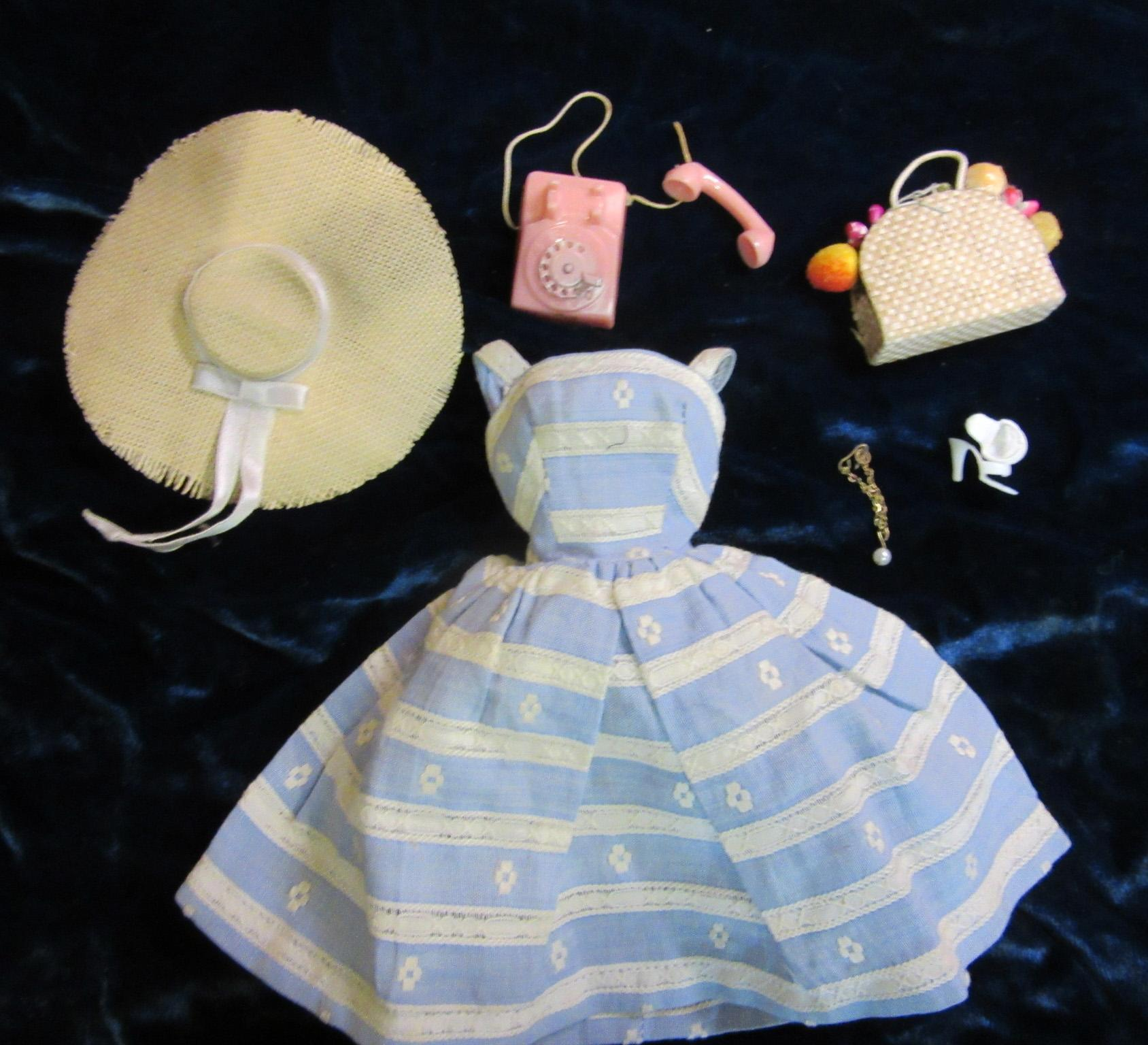 """Vintage Barbie """"Suburban Shopper"""" outfit complete"""