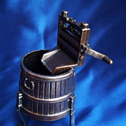 Dollhouse Size Washtub and Wringer