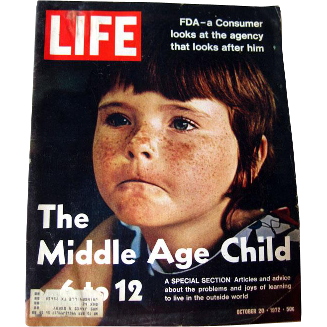 Vintage Life Magazine October 1972 / Lori DeWilkens Photographic Cover / Vintage Advertising