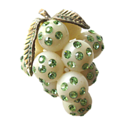 Unusual Vintage Lucite Forbidden Fruit Austrian Green Rhinestone Grape Cluster Pin
