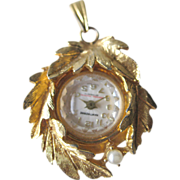 Working Hawthorne Pendant Watch with Leaf Design / Mechanical Watch / Swiss Made / Vintage Jewelry / Womans Watch / Necklace Watch