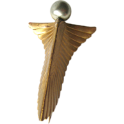Art Deco Winged Fur Clip / Vintage Jewelry / Vintage Brooch / Pearl Dress Clip