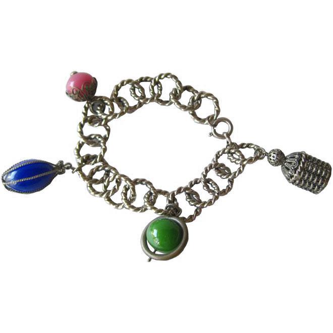 Vintage Chunky Charm Bracelet / Vintage Jewelry