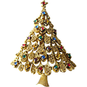 Vintage JJ Rhinestone Christmas Tree Pin / Vintage Jewelry / Holiday Pin / Christmas Brooch
