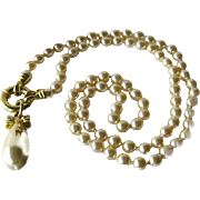 Tear Drop Pendant Faux Pearl Necklace