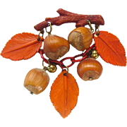 Bakelite and Acorn Vintage Pin - Vintage Jewelry - Bakelite Jewelry - Bakelite Brooch - Costume Jewellery - Autumn Brooch - Fall Pin