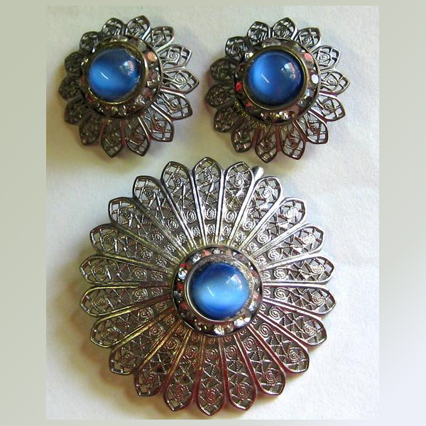 Demi Parure -- Blue Glass, Rhinestone  Filigree Pin & Earrings