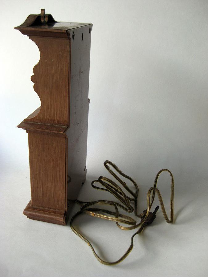 Spartus Kitchen Duncan Phyfe Style Hutch Clock Vintage