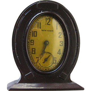 Bakelite Horseshoe Clock In Working Condition - New Haven Clock - Vintage Small Clock - Mechanical Clock