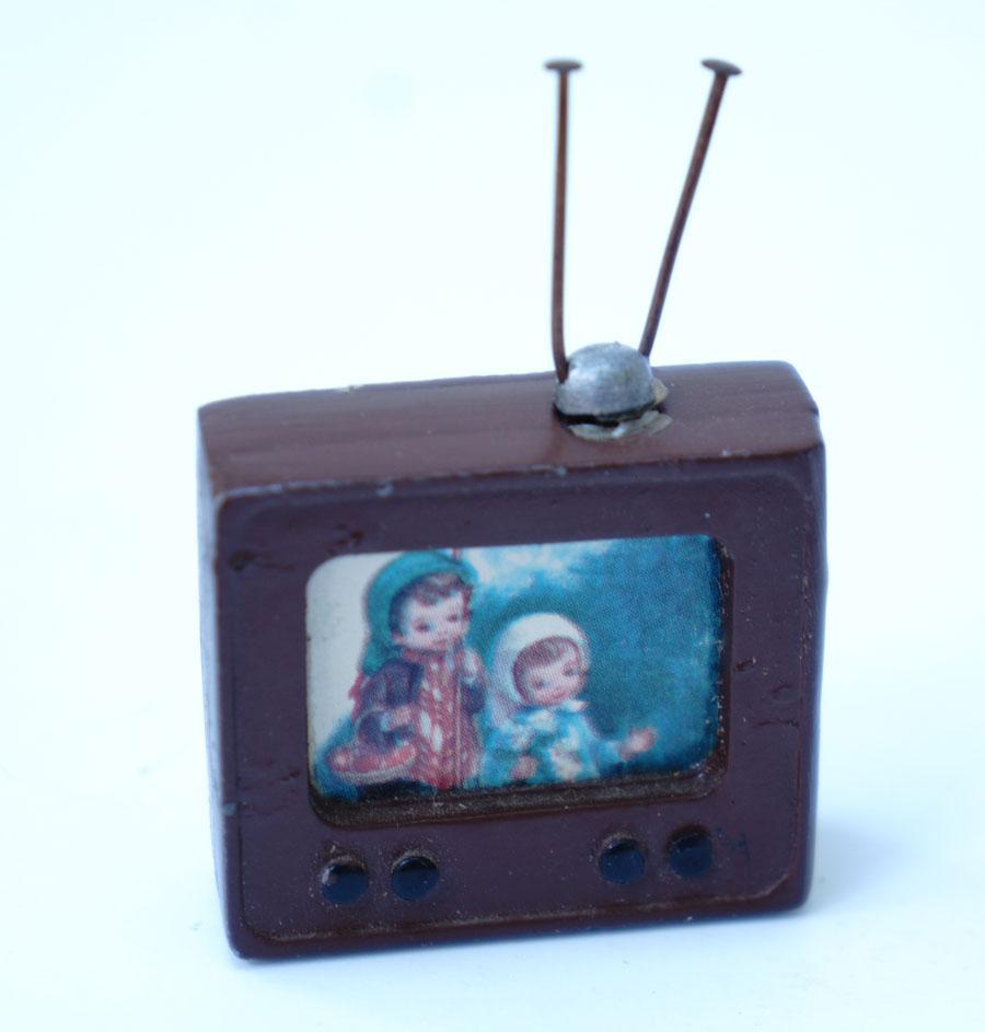 Dollhouse Miniatures Tv: Miniature Dollhouse Television And Radio / Cast Metal