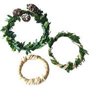 Three Miniature Dollhouse Wreaths / Holiday Wreaths / Pine Cone Wreath / Miniature Holiday Decorations