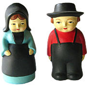 Pilgrim Couple Salt and Pepper Shakers Perfect for Thanksgiving Dinner Table - Vintage Kitchenware - Collectible Shakers - Figural Shakers