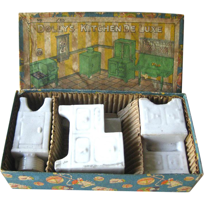 Borgfeldt Porcelain Kitchen Appliances Dollhouse Set in Original Box / Dolly Kitchen De Luxe / Dollhouse Furniture / Geo Borgfeldt