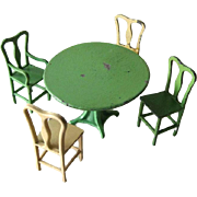 Tootsietoy Metal Dining Room Table and Four Chairs - Dollhouse Miniatures by Tootsie Toys