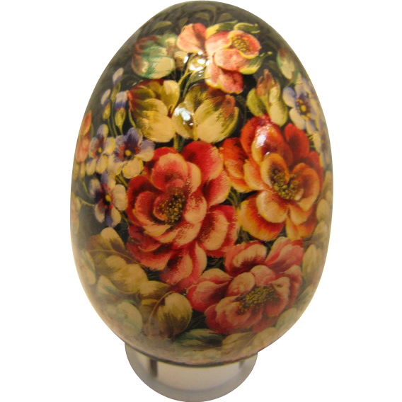 Russian Lacquer Egg adorned with flowers