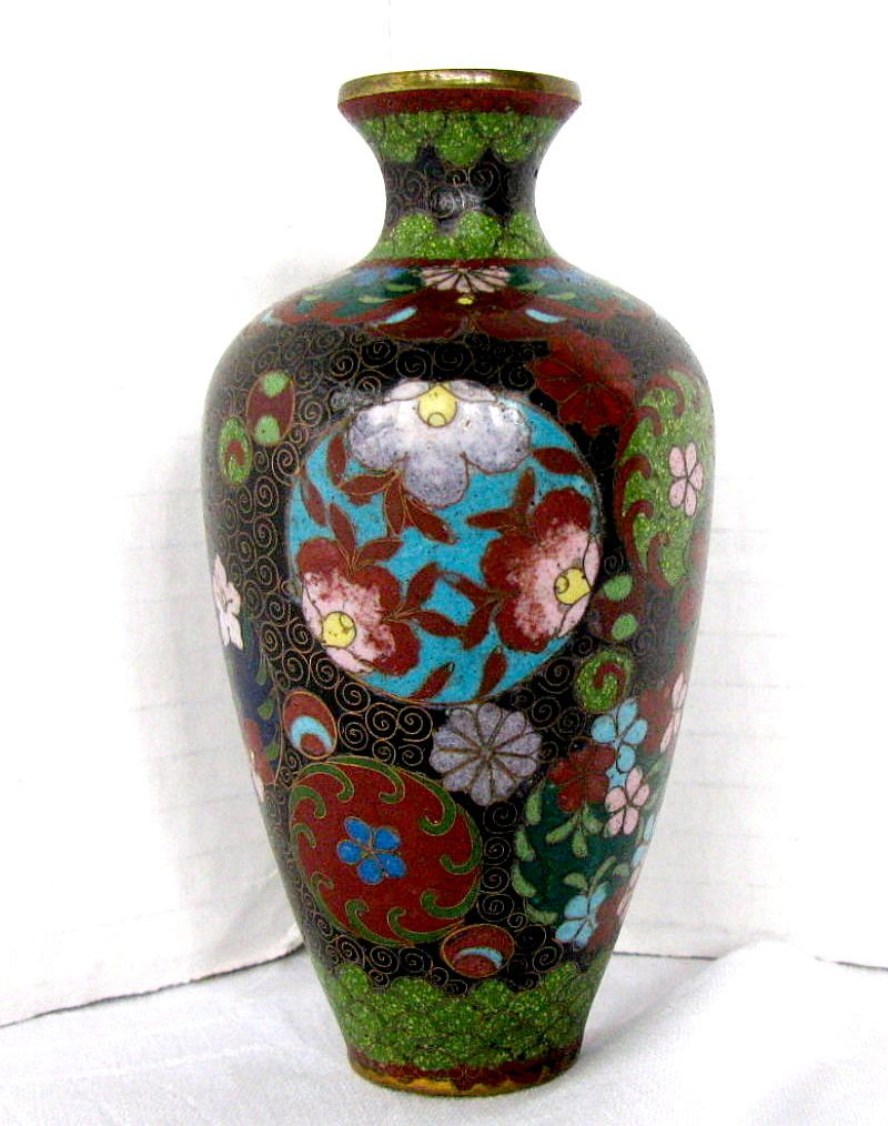 dating cloisonne vase Bonhams fine art auctioneers the heavily-cast vase raised on a slightly spreading foot and enamelled there is an ongoing discussion about the dating of.