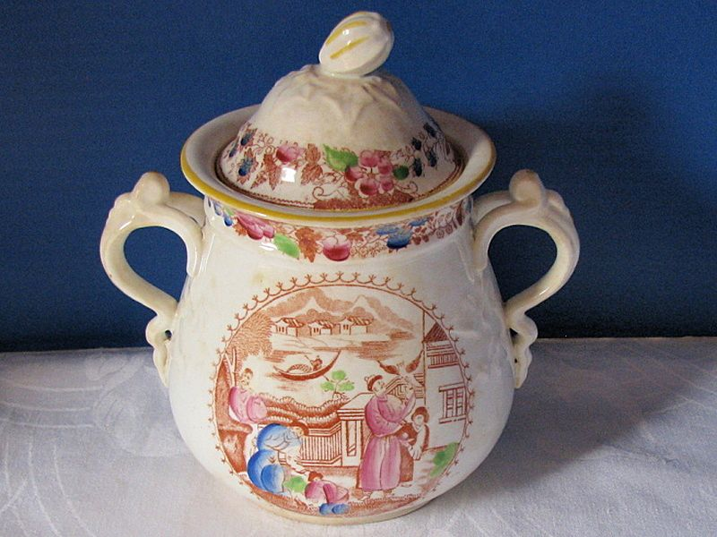 Covered Sugar Bowl, English Chinoiserie,  Mongol Huntsman Pattern, Antique Early 19th C