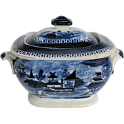 "John Rose Coalport Sugar Box, Dark Blue Chinoiserie, ""Curly Pagodas"", Antique c 1820"