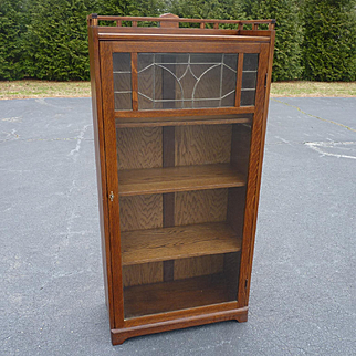 Oak One Door Bookcase With Leaded Glass