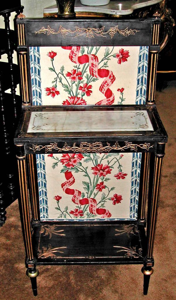 Darling Napoleon III Firescreen Stand
