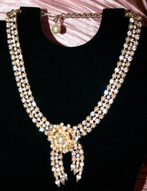 Stunning Hobe Necklace