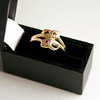 Vintage German Double Snake Ring 8 Karat Gold with 2 Rubies