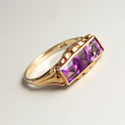 Vintage Gold 8K 3 Stone Amethyst Ring